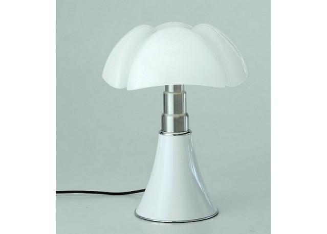 location lampe en m thacrylate mini pipistrello blanche. Black Bedroom Furniture Sets. Home Design Ideas